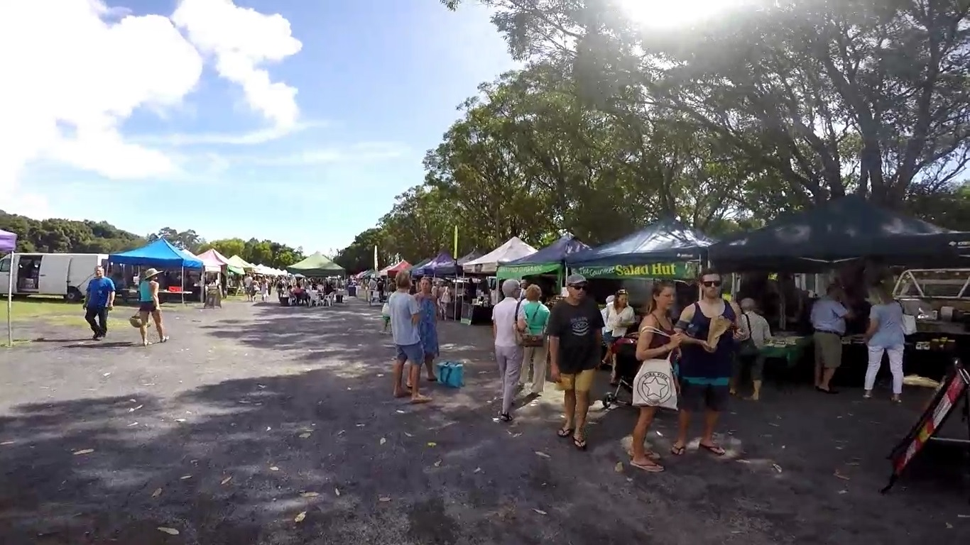 Byron has frequent day and night markets. Check local papers for location and timings.