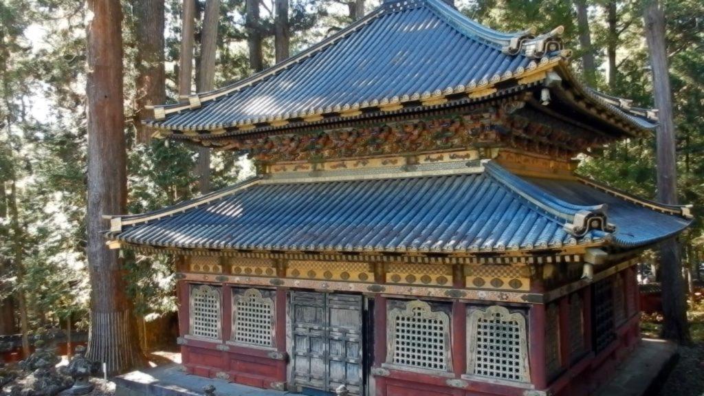 Temple 2-3-min