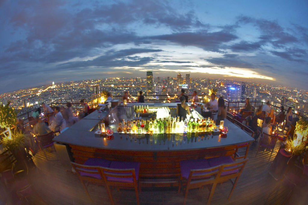 Vertigo Grill & Moon Bar - Banyan Tree Hotel.