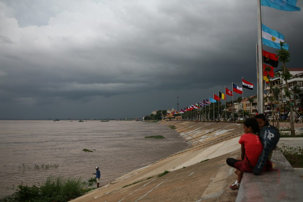 Walk along Sisowath Quay to get views of the Tonle Sap and Mekong River.